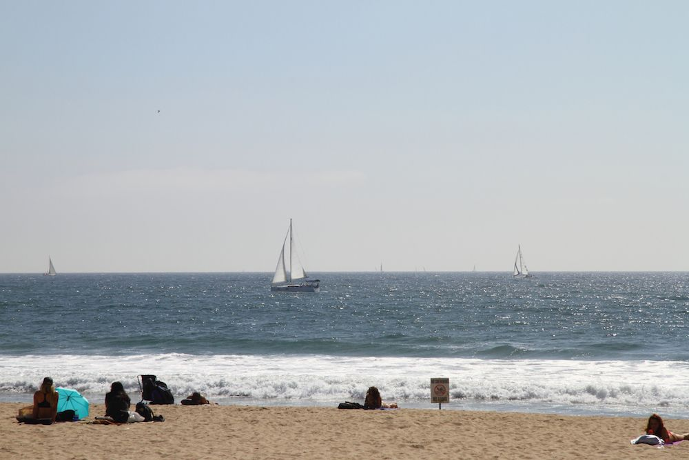Sailboat off Venice Beach