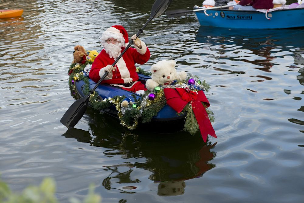 Venice Canals Holiday Santa Boat