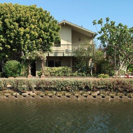 214 Howland Canal . Venice