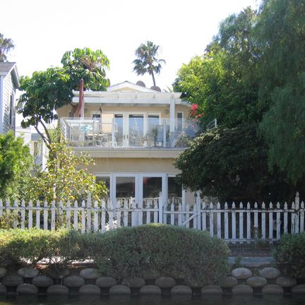 707 Crestmoore Place . Venice