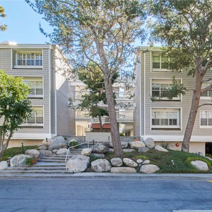 4346 Redwood Ave #C301 . Marina del Rey