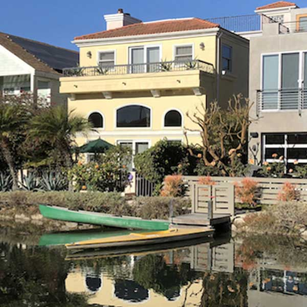 239 Sherman Canal . Venice . CA 90291 . For Lease