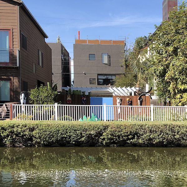 421 Carroll Canal . Venice Canals . Venice . CA . 90291