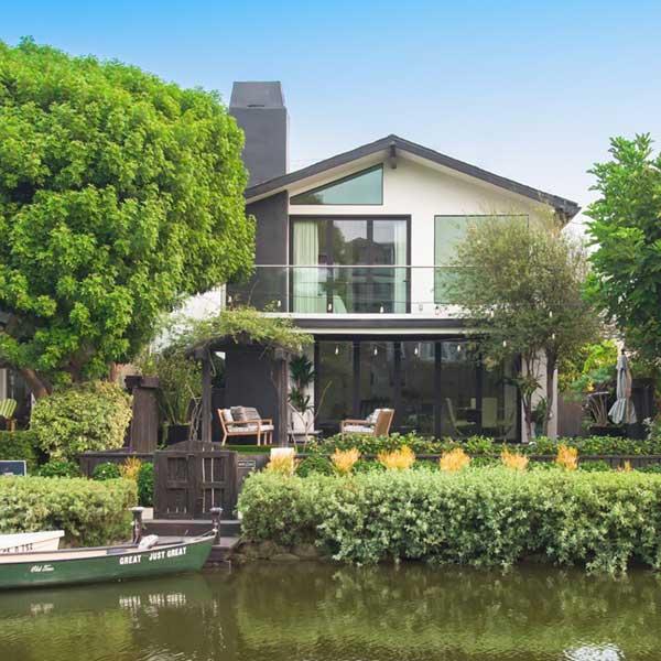 214 Howland Canal . Venice . CA 90291
